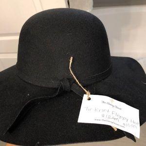 Accessories - NWT - black suede hat